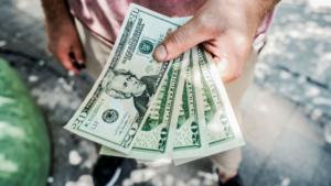 7 ötlet arra, hogyan változtass a pénzzel való kapcsolatodon – Gary Douglas